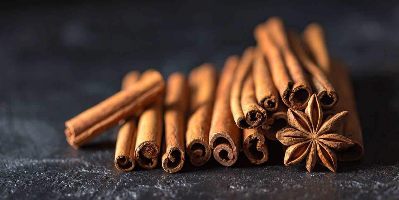 12 Proven Health Benefits of Cinnamon